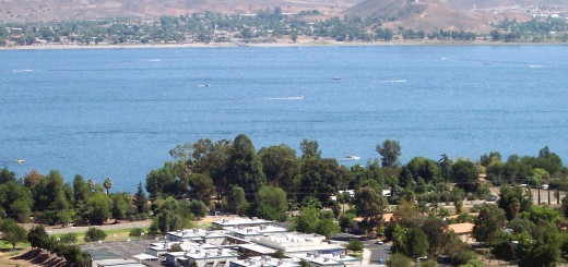 Butterfield_Elementary_School_and_Lake_Elsinore