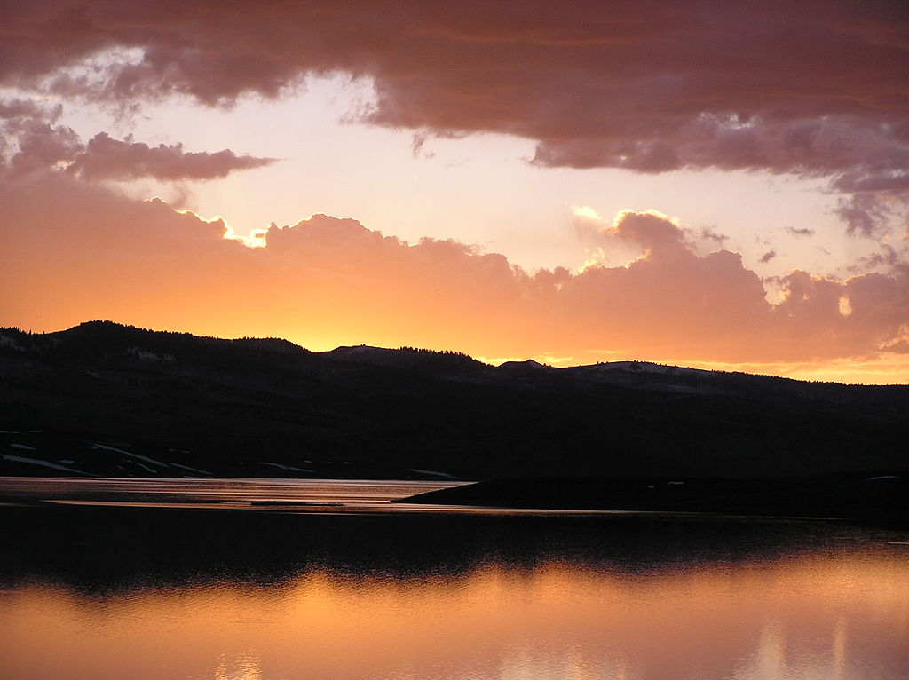 Strawberry-Reservoir-Sunset