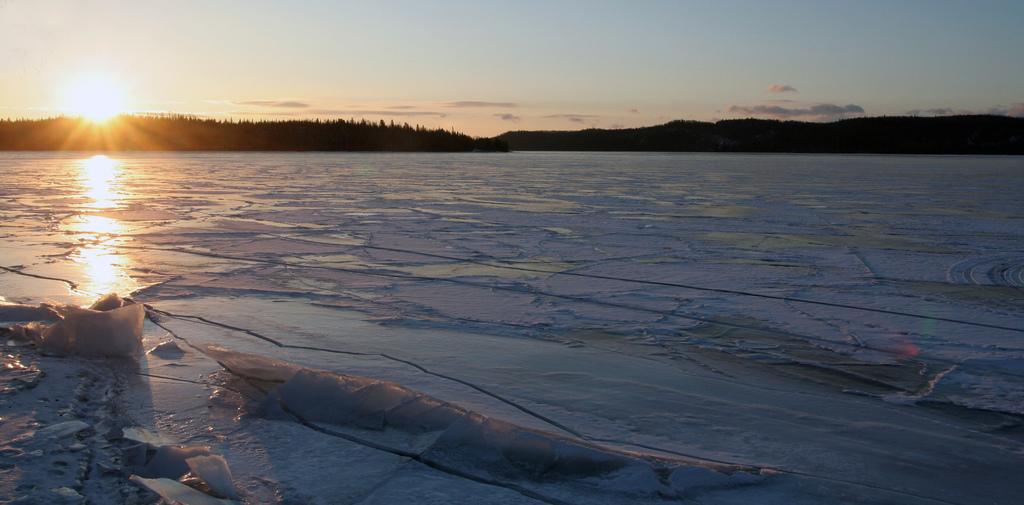 lake-superior-ice
