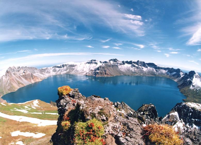 alpine lakes Baitou Mountain Tianchi Heaven Lake