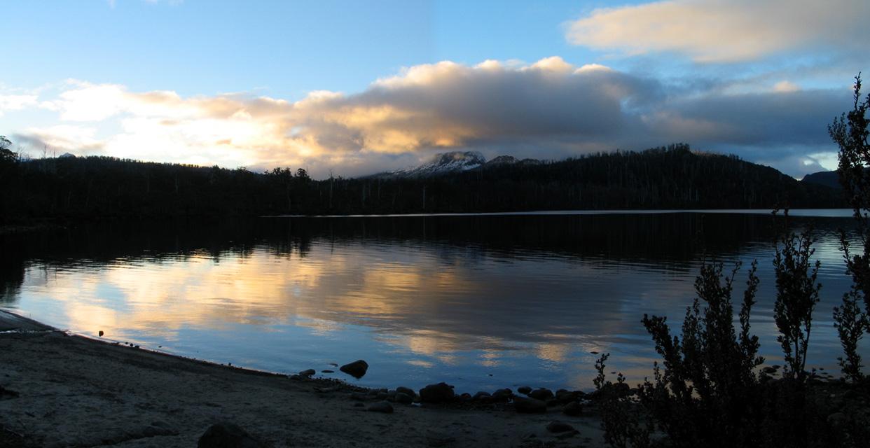 tasmania 39 s lake st clair is australia 39 s deepest lake. Black Bedroom Furniture Sets. Home Design Ideas