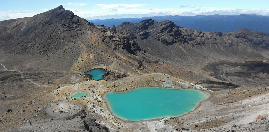 lakes new zealand / Emerald Lakes from the summit of Red Crater