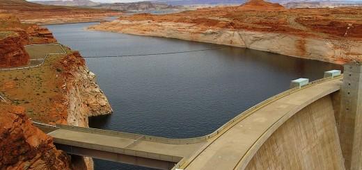Lake-Powell-Glen-Canyon-Dam