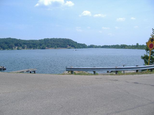 five canal lakes / Lake White