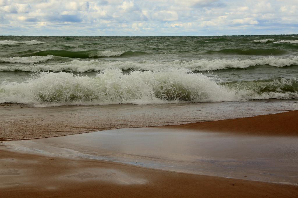 lake-michigan-waves
