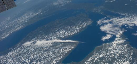 ISS-36-Lake-Michigan-and-Lake-Huron
