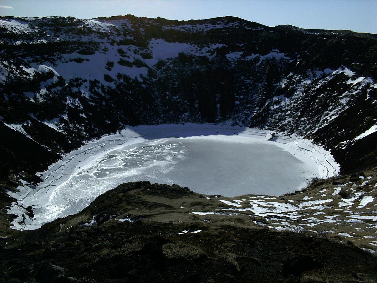 A frozen Kerid Crater Lake, April 2008. (Credit: Public Domain)