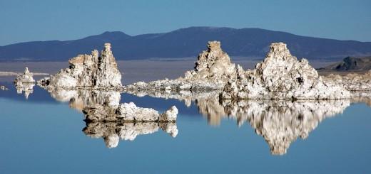 Mono-Lake-tufa-white