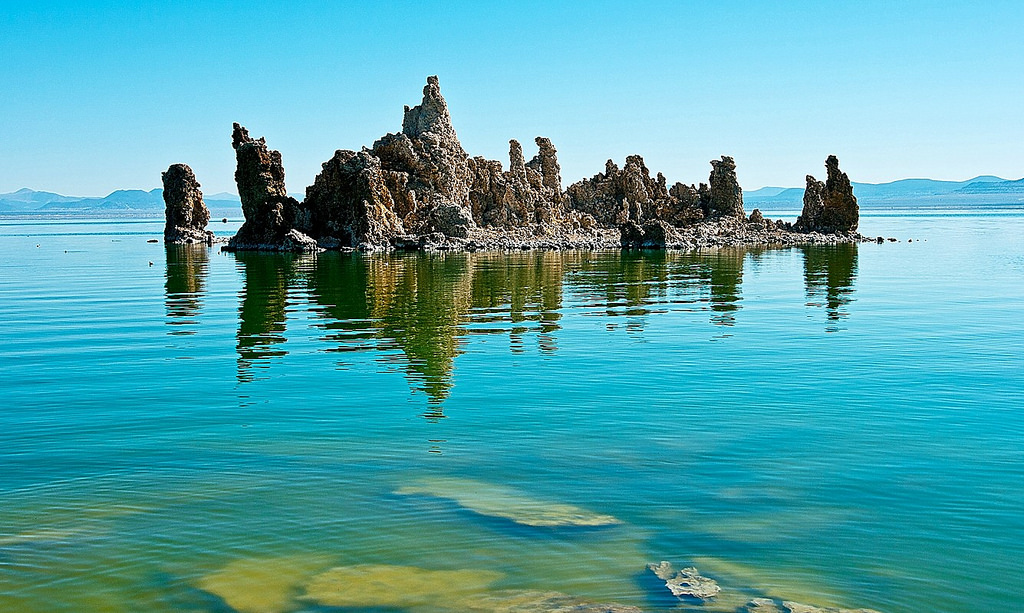 mono lake green water