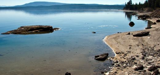 yellowstone lake west